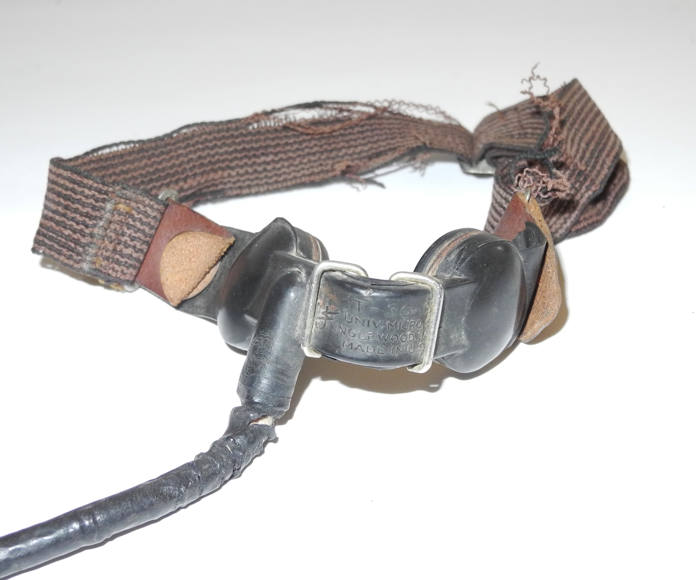 """AAF T-30-S throat microphone with """"M"""" Clip."""