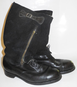RAF 1943 Pattern Escape Boots with Knife