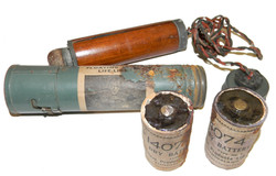 WWII RAF floating lamp + batteries