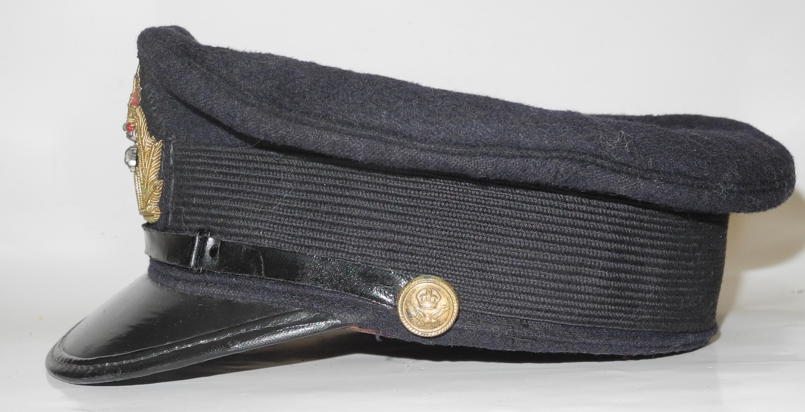 RNAS officer's cap with reproduction badge34