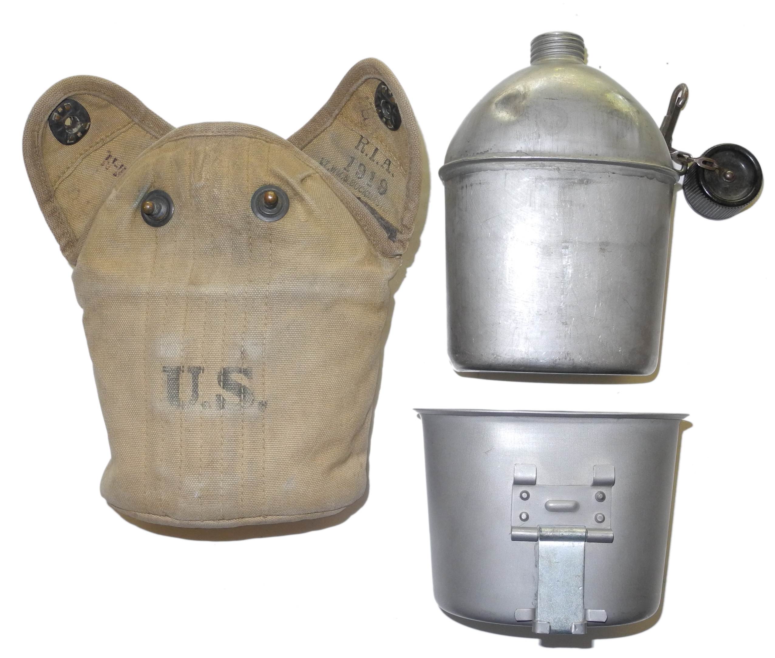 US Army belt and mess kit4389