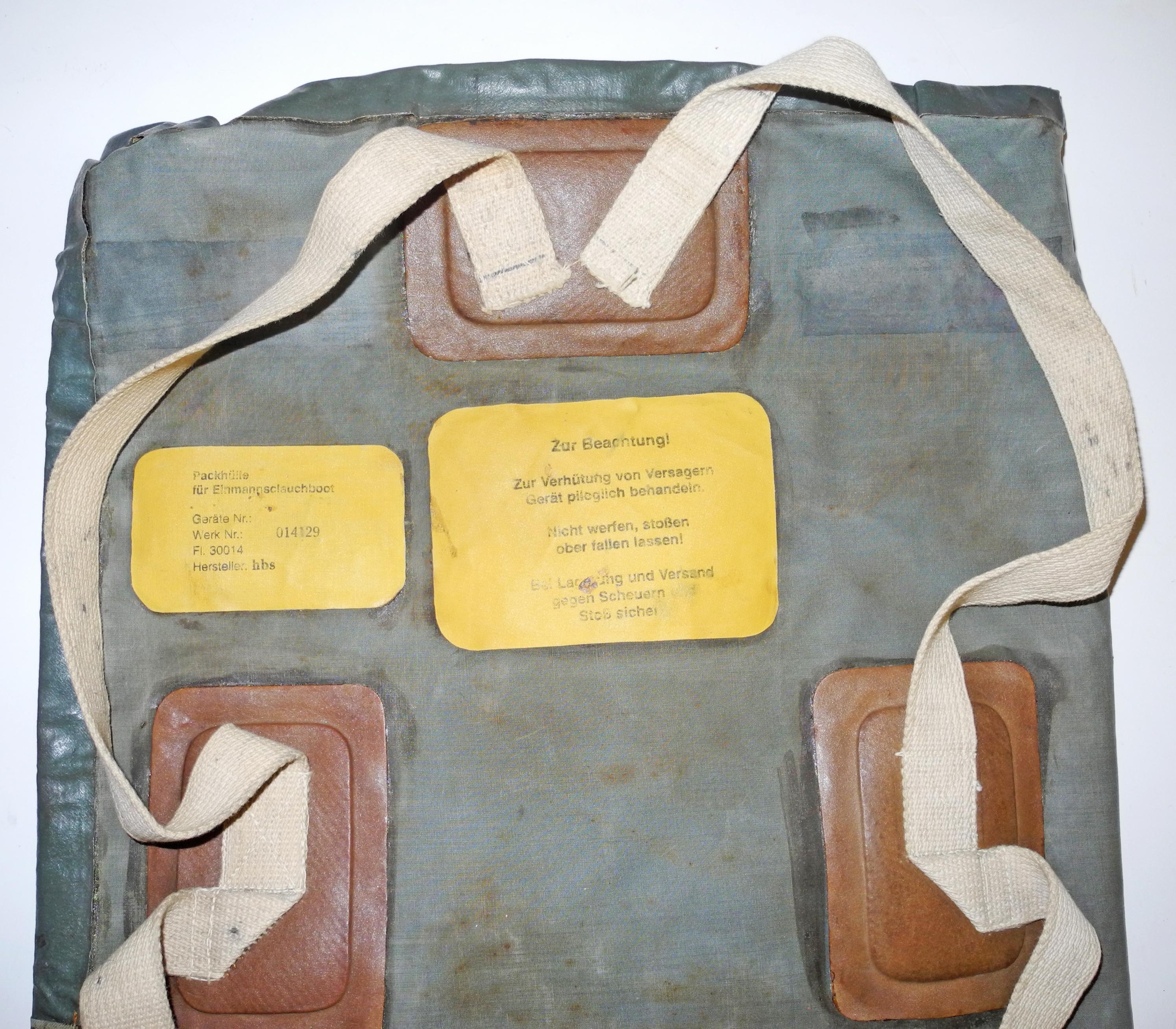 KM / LW one-man raft back pack