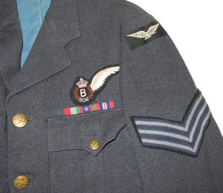 RCAF sergeant's tunic with bombaimer brevet