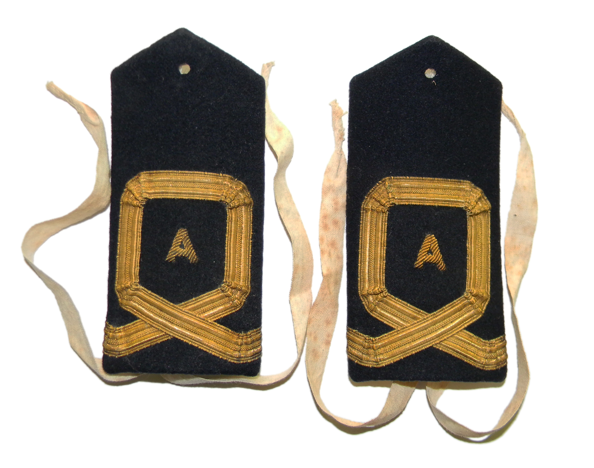 WWII RNVR (A) shoulder boards
