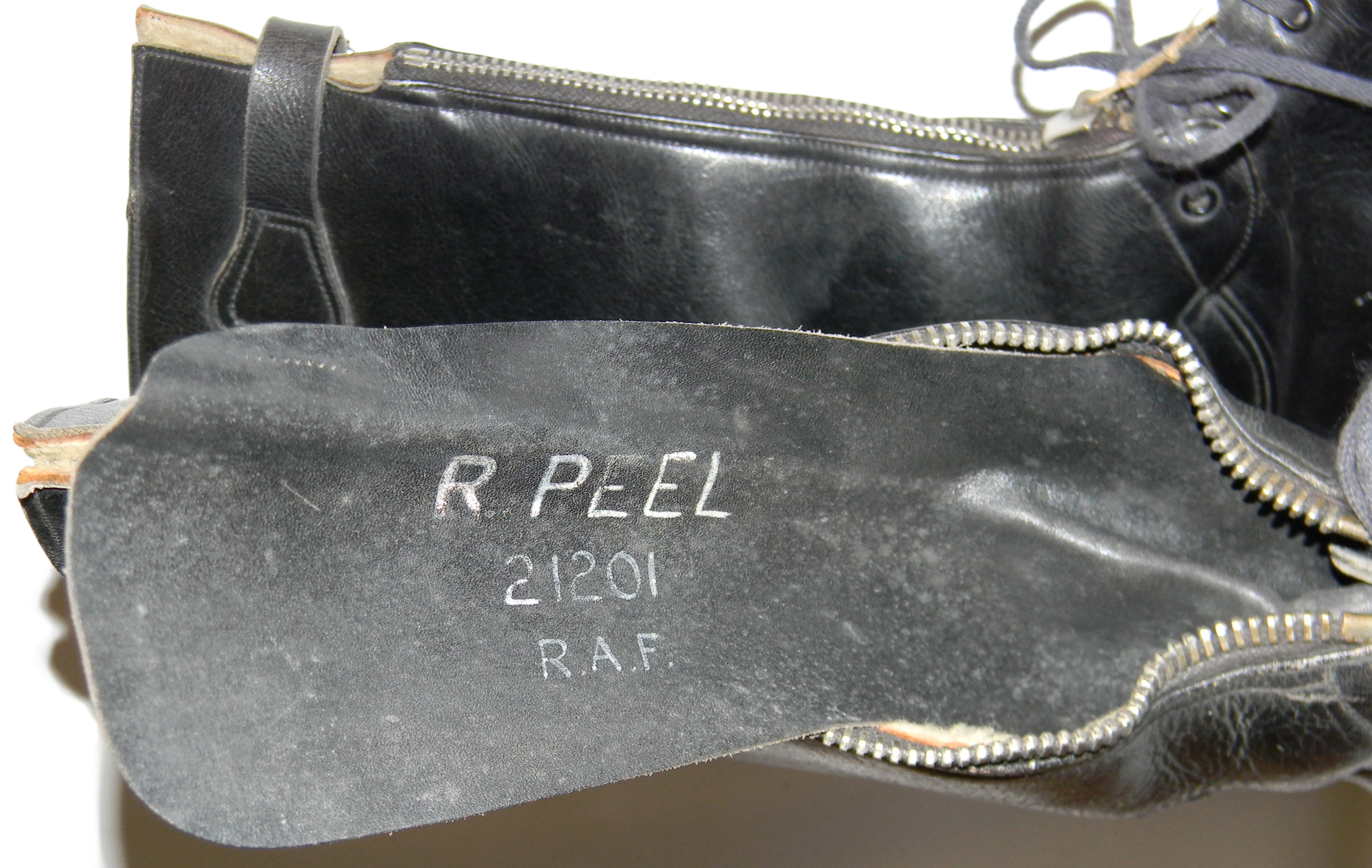 RAF Nuffield Escape Boots + history