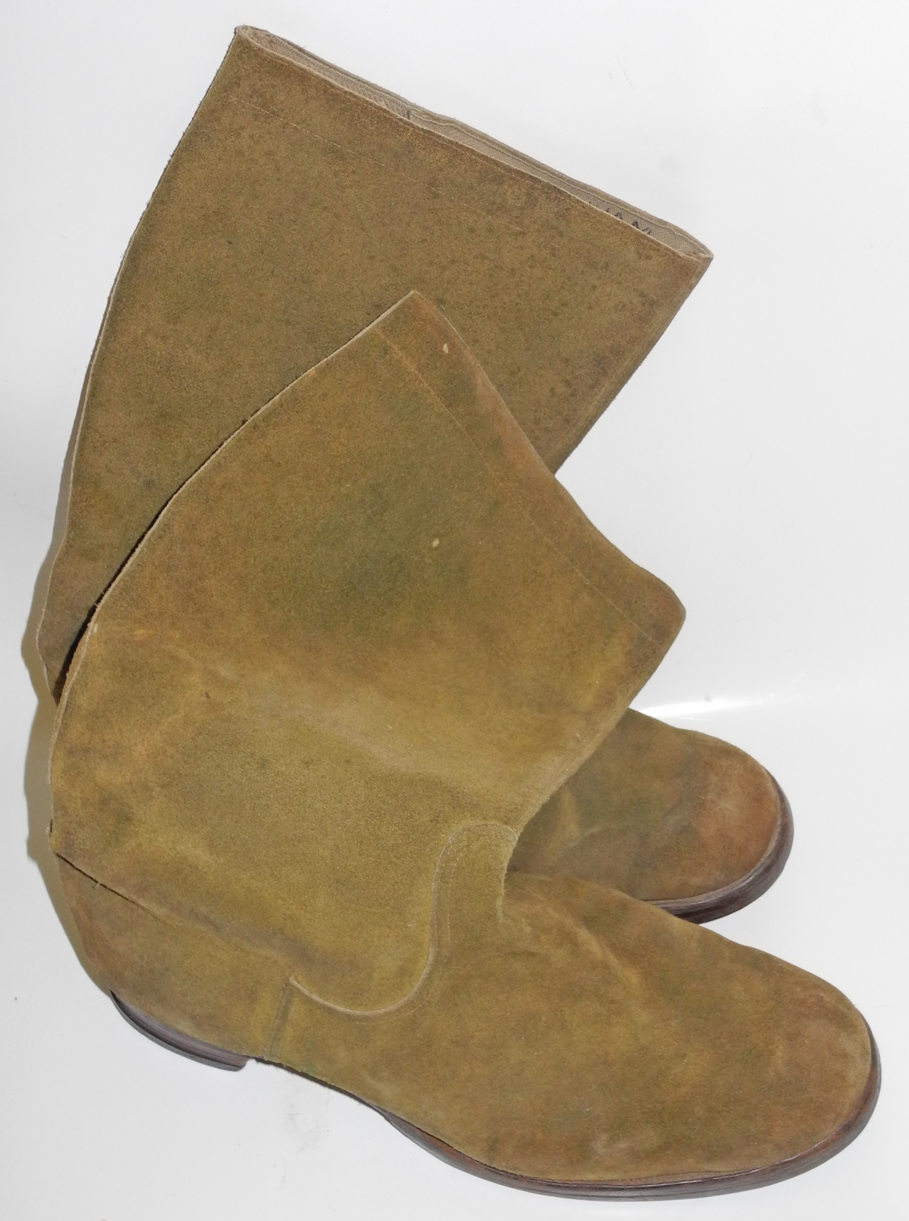 RAF Mosquito boots with Battle of Britain history