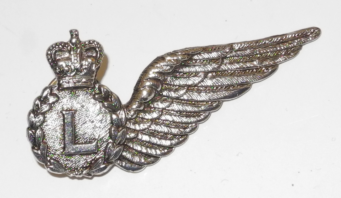 Post War RAAF Air Loadmaster badge