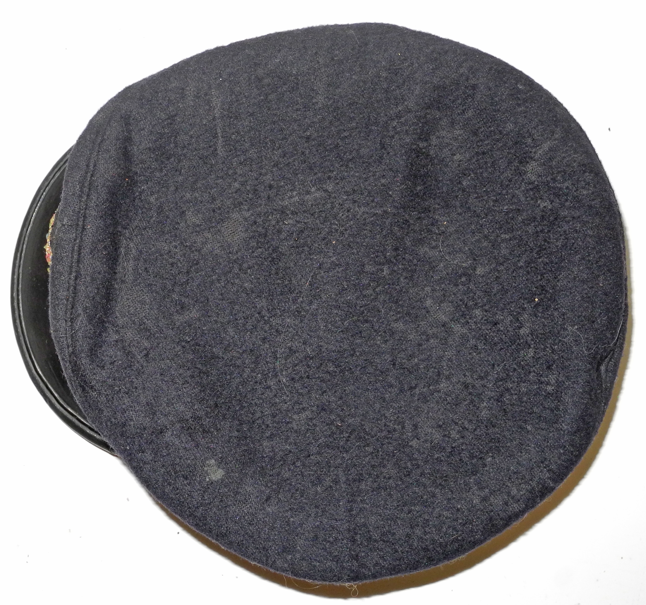 RNAS officer's cap with reproduction badgeCN8737