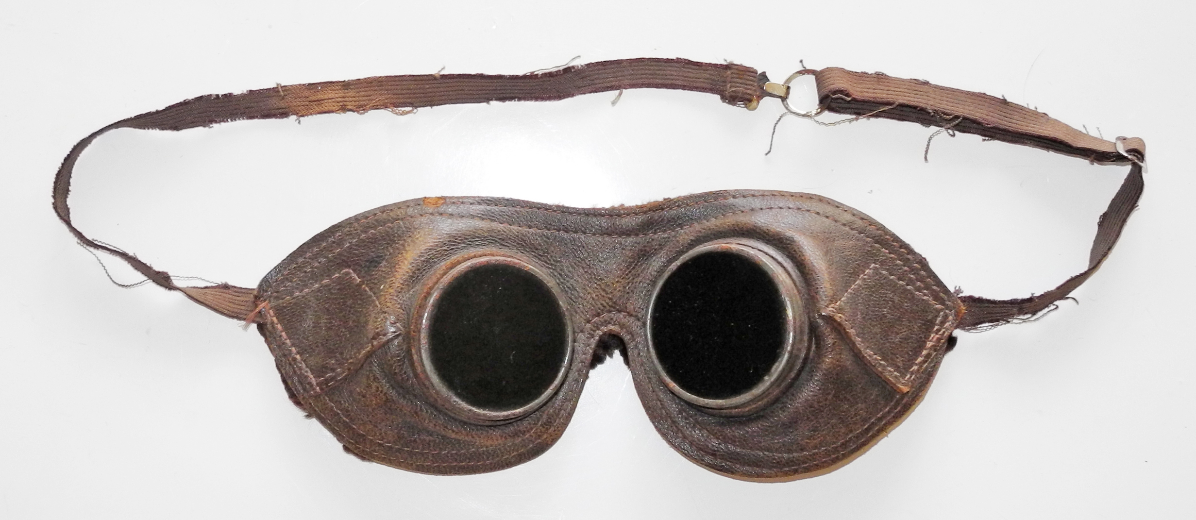 RAF night adaption goggles, first type