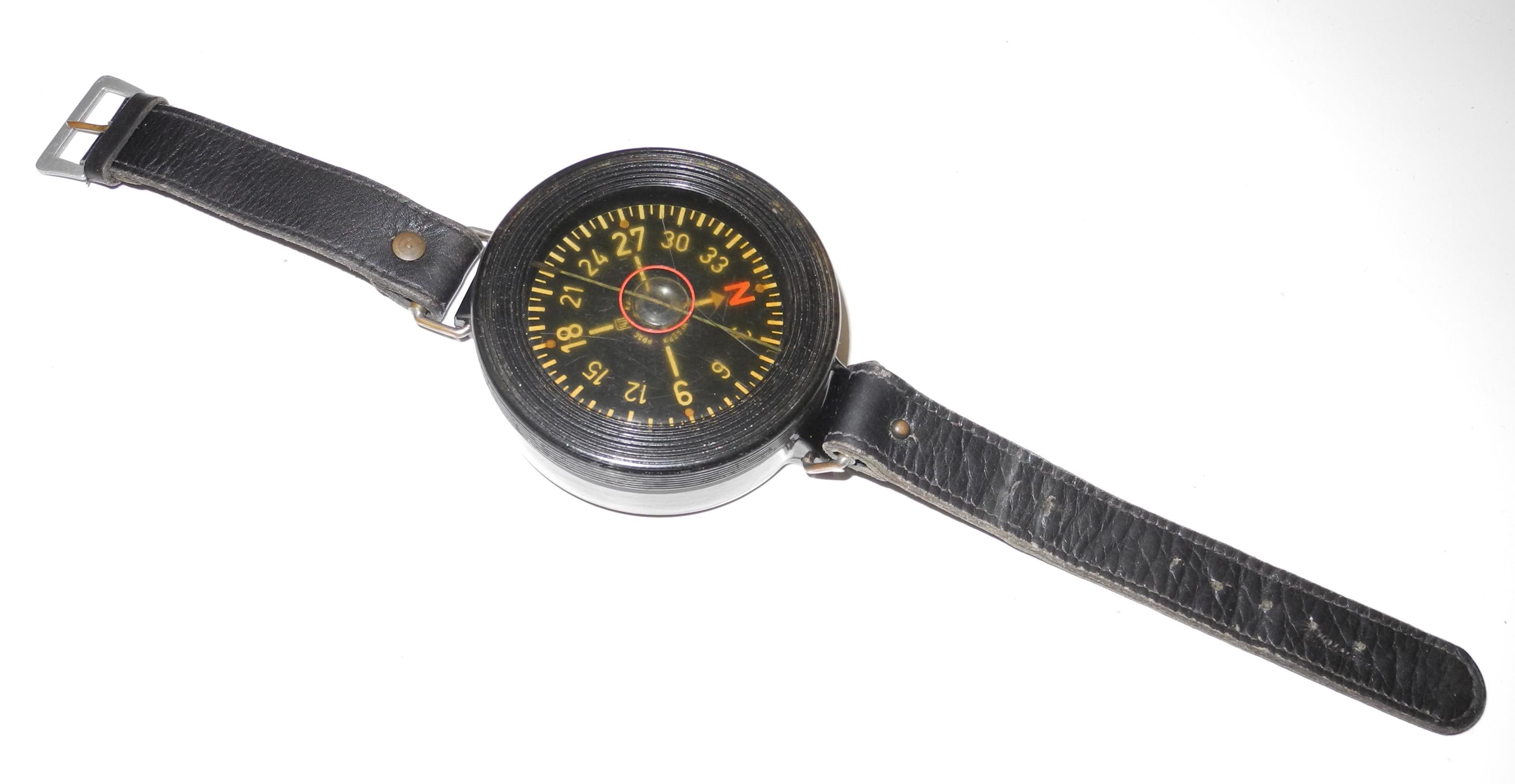 Luftwaffe armkompass 1st type