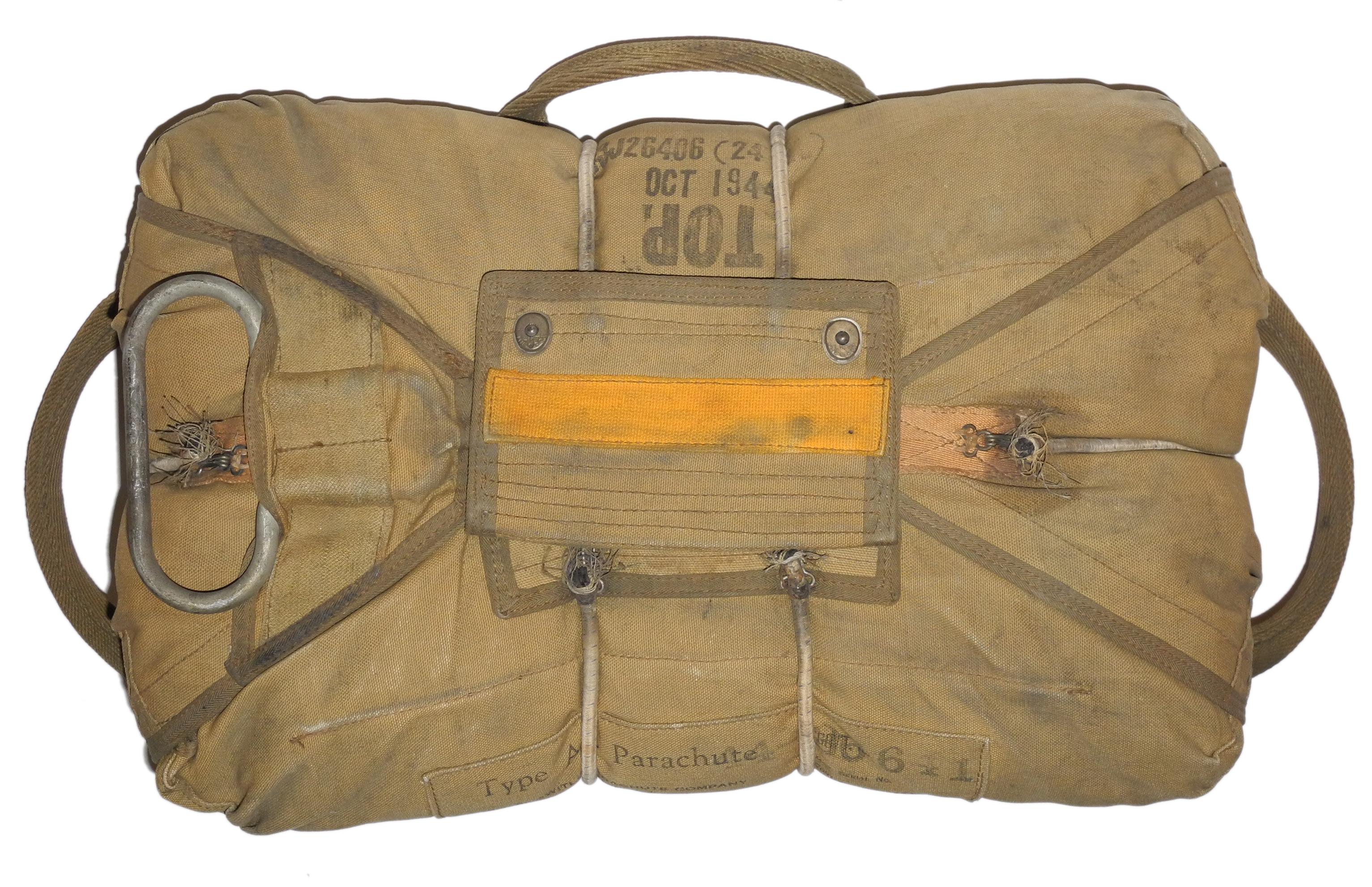 AAF A-4 chest parachute