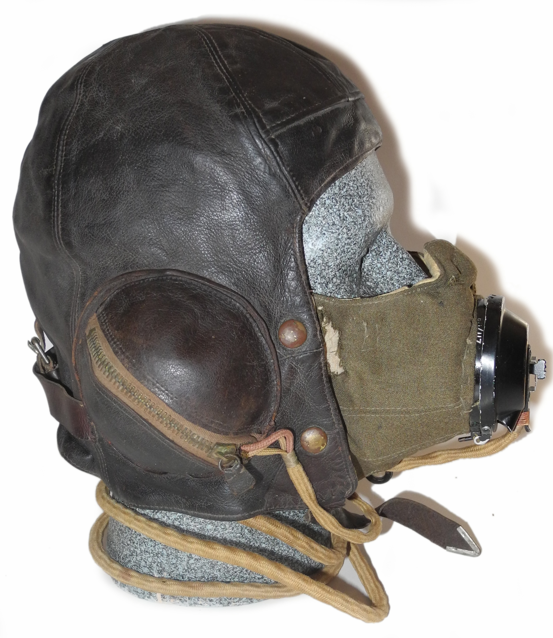 RAF 1939 dated B helmet + D mask