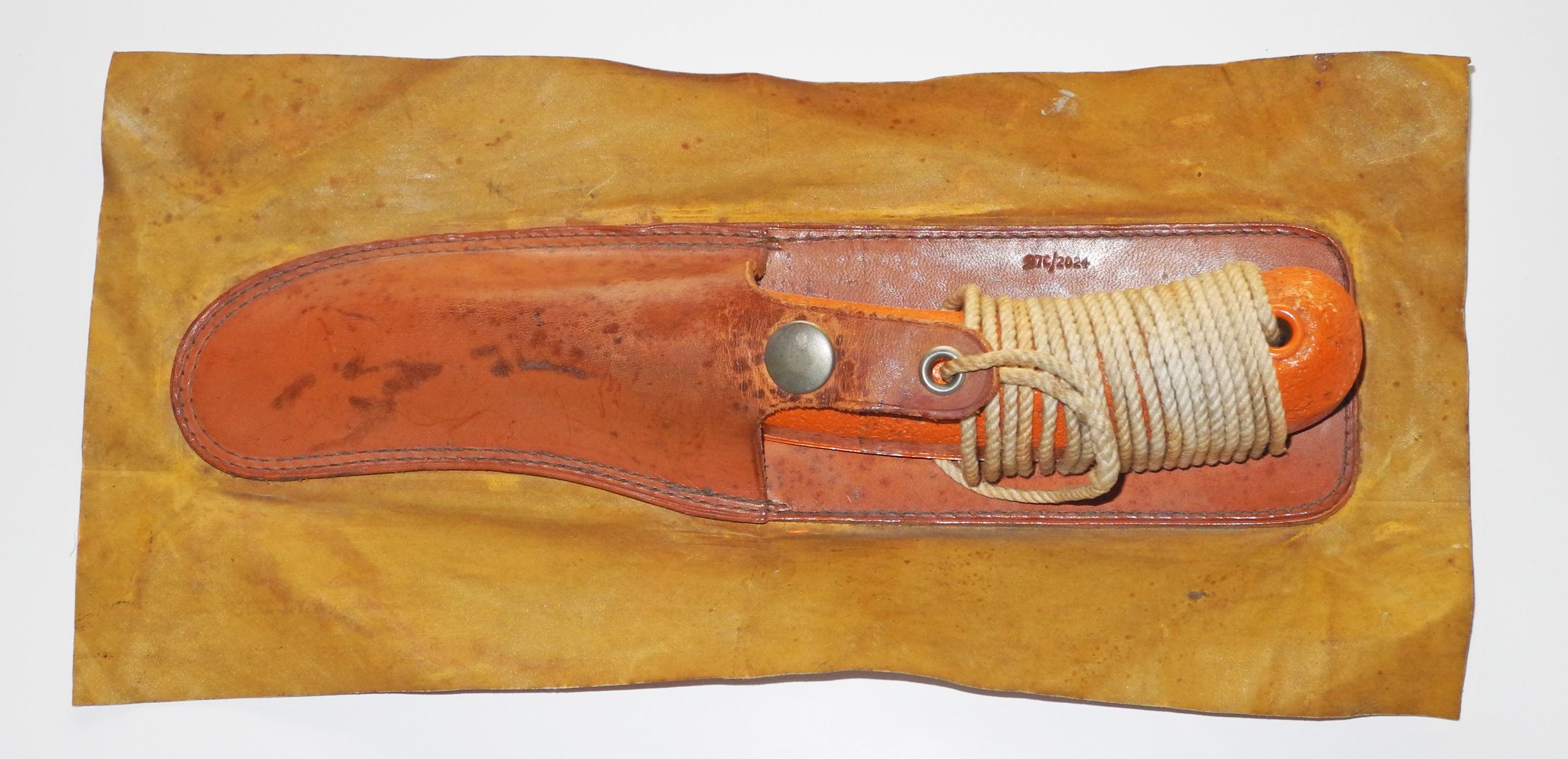 RAF dinghy knife - large version164