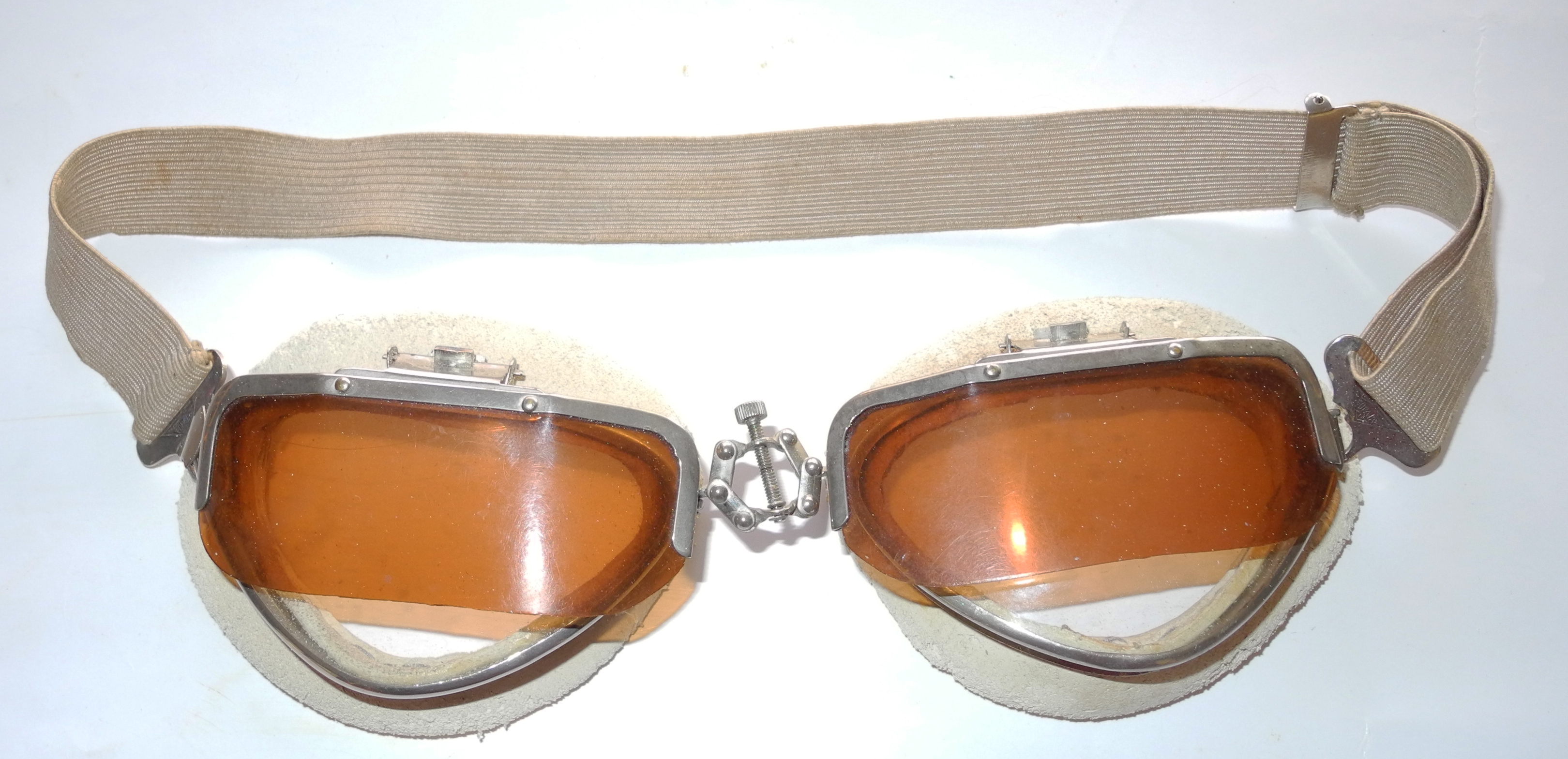 Italian goggles with flip screens