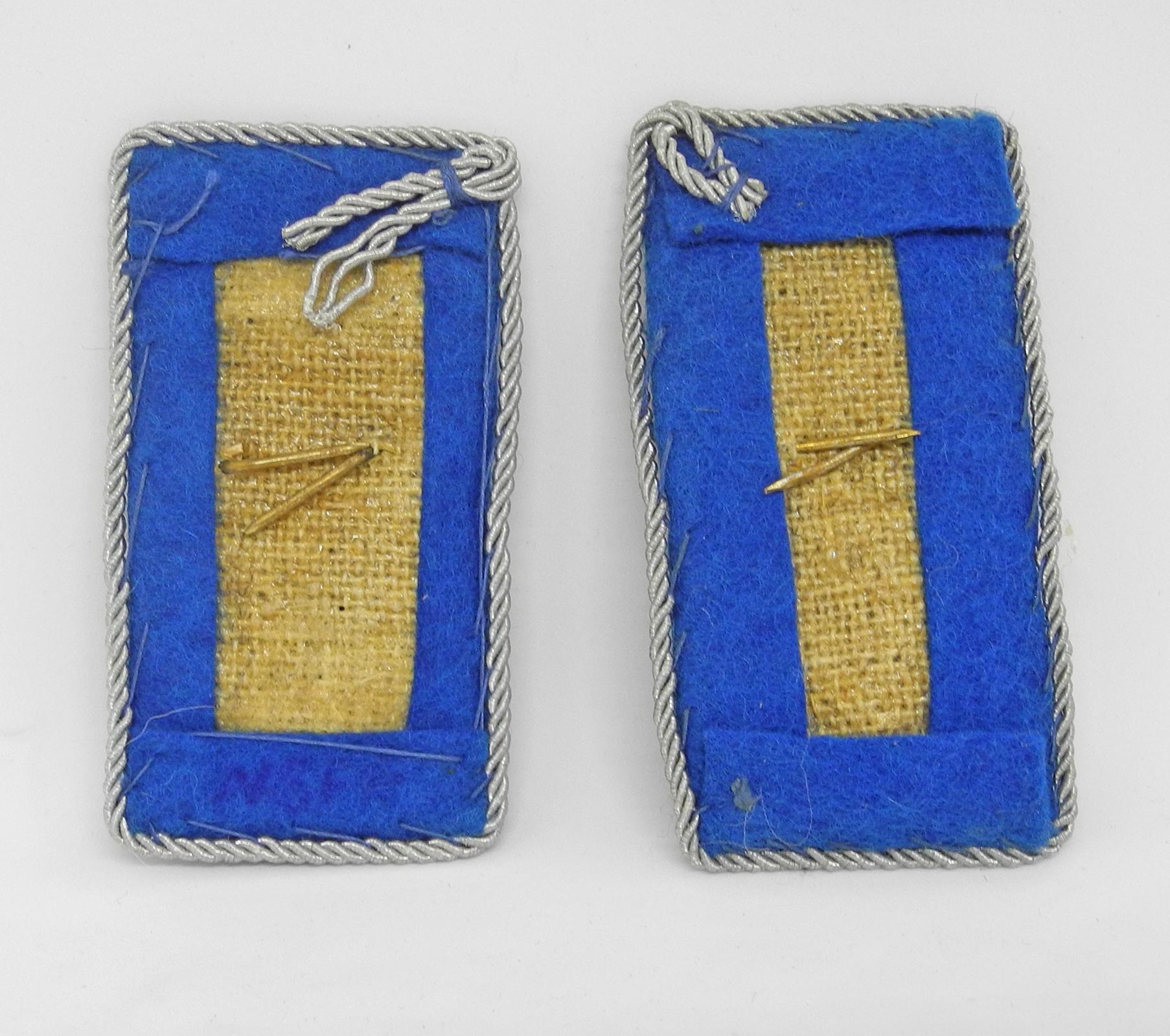 LW officer's collar tabs