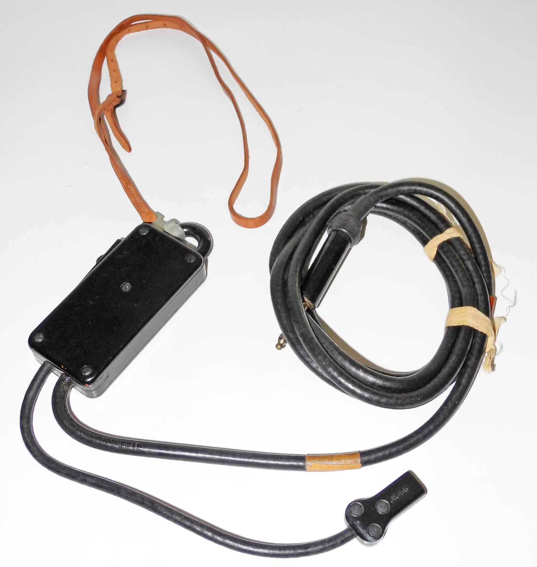 AAF SW-141 push-to-talk switch