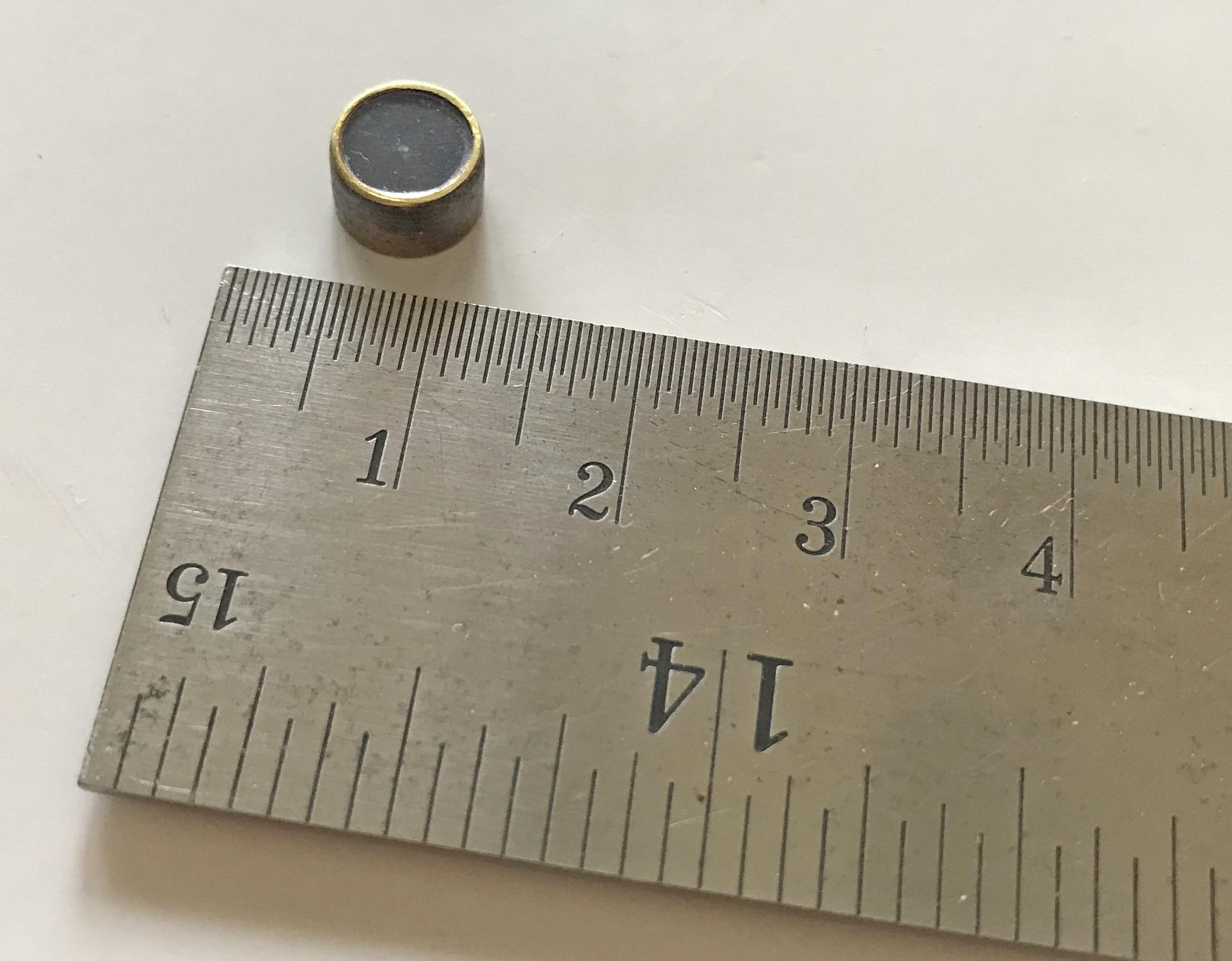 RARE RAF / MI9 miniature escape compass - the smallest made.