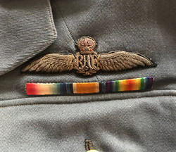 RAF WWI uniforms / trunk