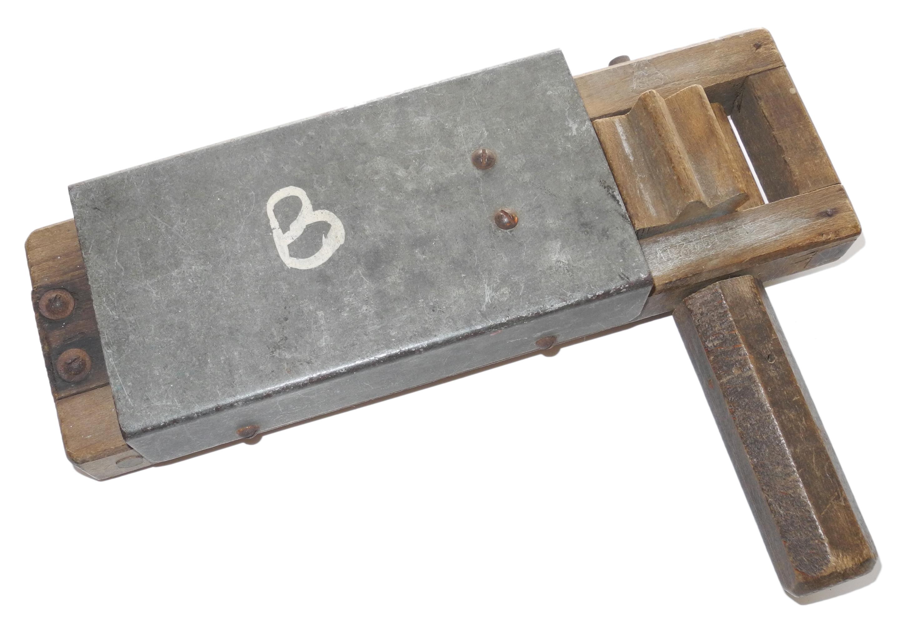 ARP / LDV Gas rattle 1942
