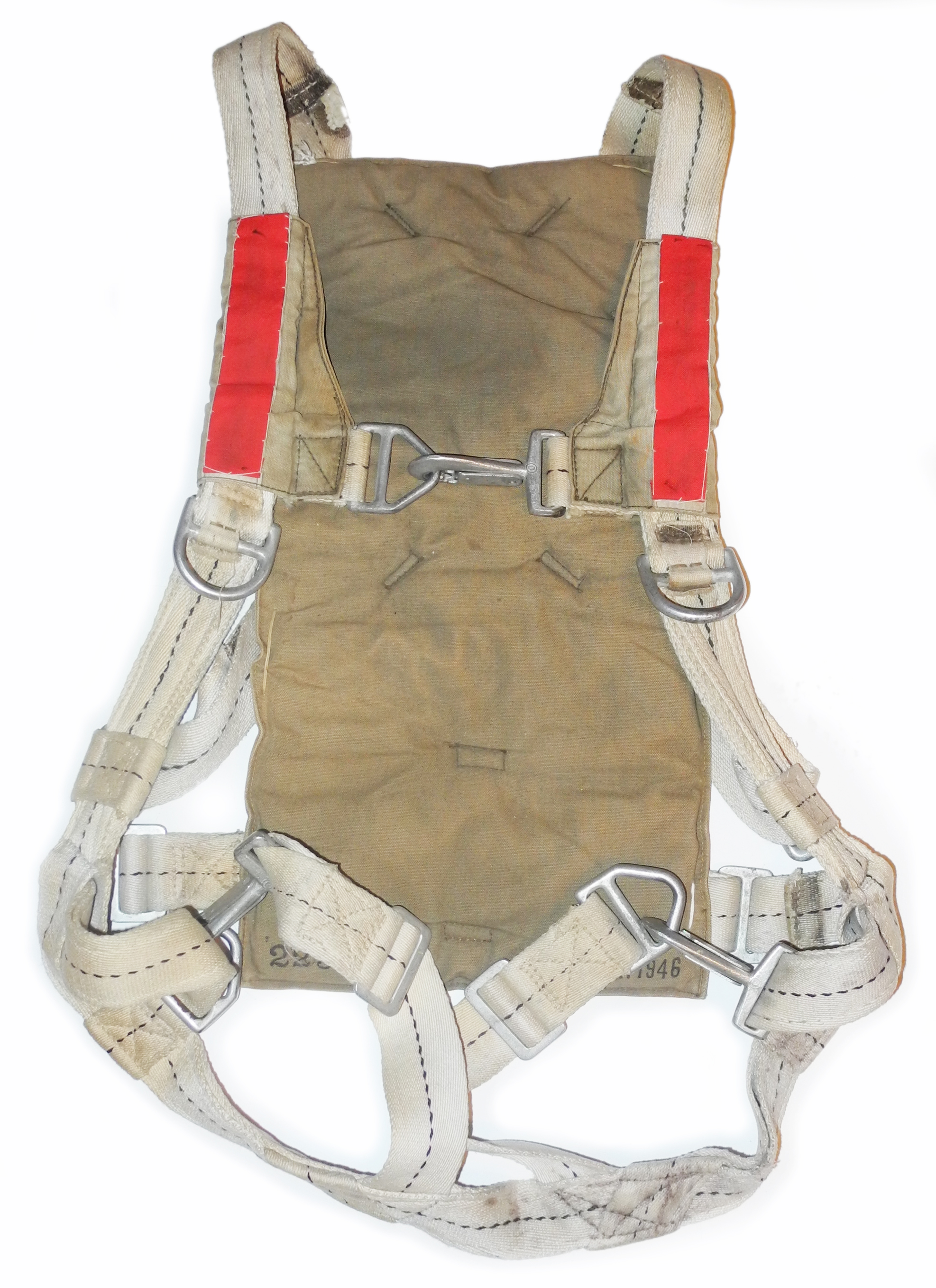 AAF chest parachute harness