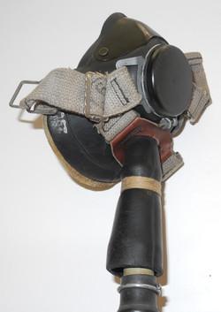 DSCN1551RAF E* oxygen mask with hose