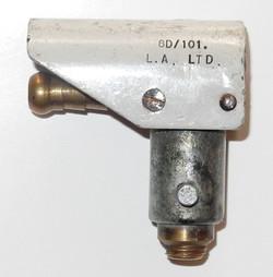 RAF D mask hose bayonet connector
