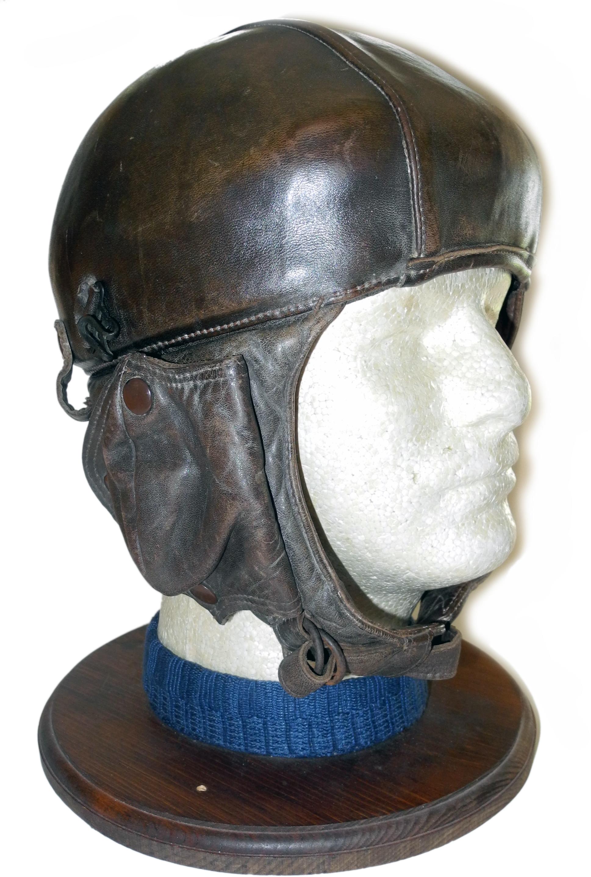 French Type 11 flying helmet