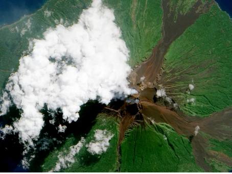 [パプアニューギニア]ドローンが活性火山へ飛行、将来は人命救助にも