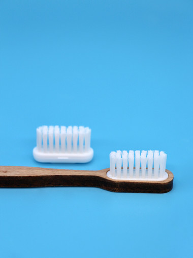 brosse-à-dents-à-tete-rechargeable