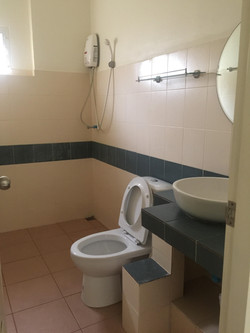 coco bathroom