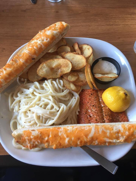 Boston Pizza - Salmon with fries and cheese bread