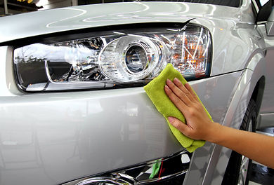 Hand-wiping-a-car-with-polish.jpg
