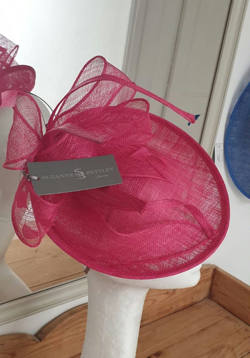 Suzanne Bettley  Fascinator Style no 435