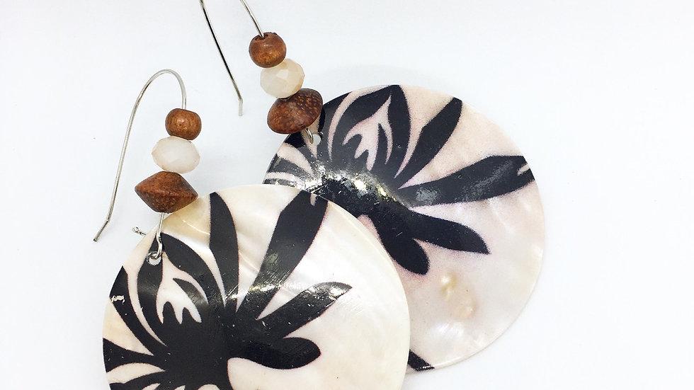 Shells & Wood