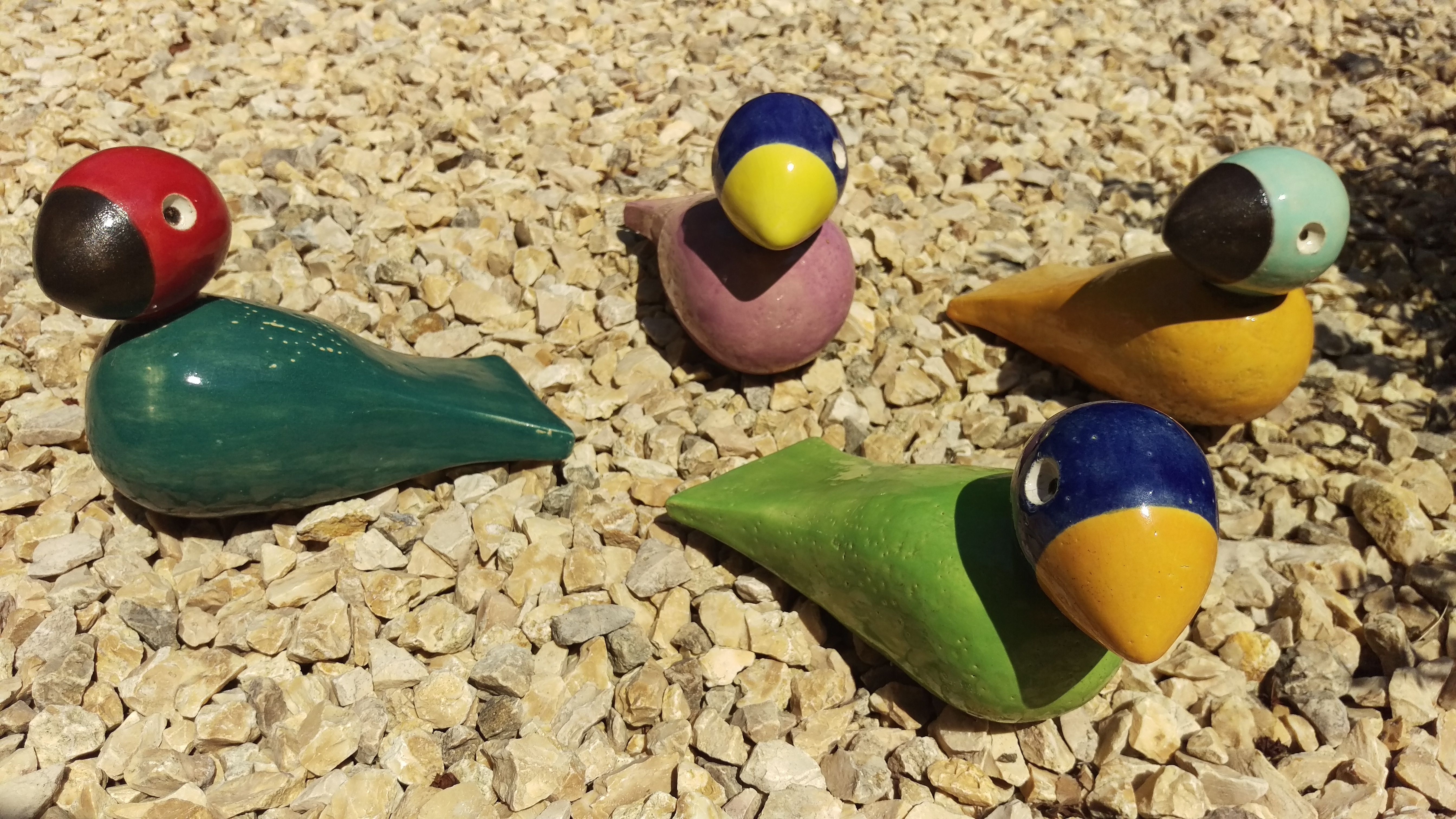 Bunte Vögel, glasiert