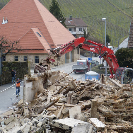 Un juge peut-il ordonner la démolition d'une construction dès lors que le permis a été annulé ?