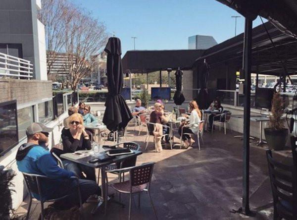 Enjoy Brunch, Lunch or Dinner on Dantanna's Outdoor Patios