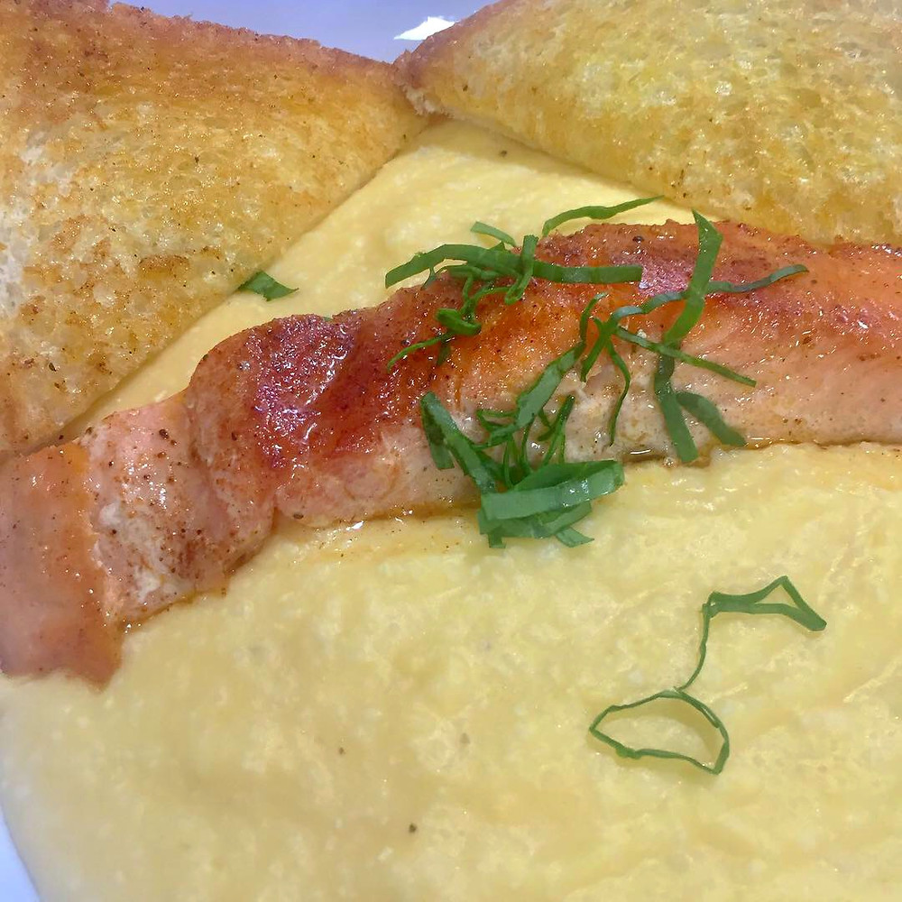 Salmon and grits at Huskers Cafe Suwanee