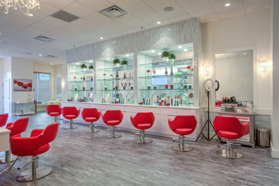Cherry Blow Dry Bar Opens in Brookhaven