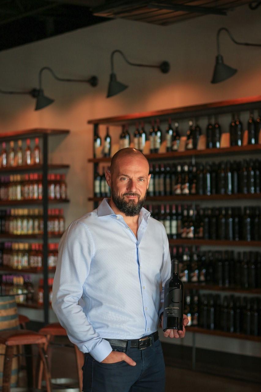 Chateau Elan Winemaker leads weekly Virtual Wine Tastings