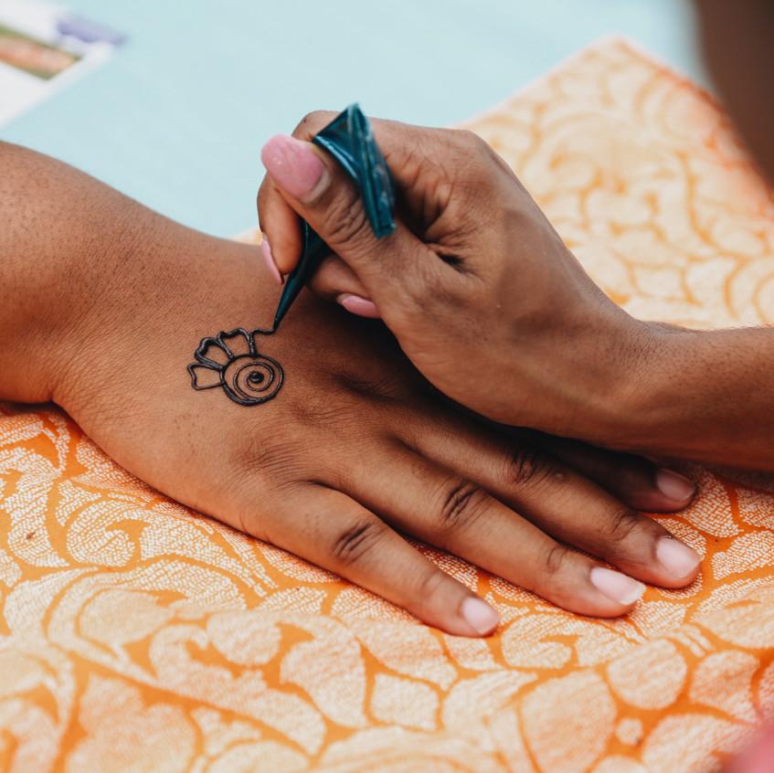 Henna at OMF18 Sat 1