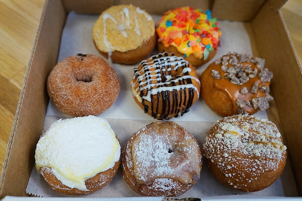 Ash Said It Visits Da Vinci's Donuts
