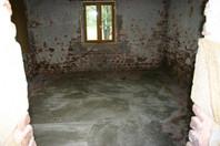 Het dortoir, de vloer is egaal