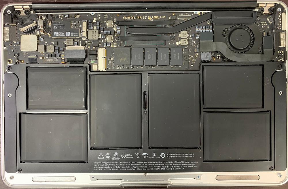 ภาพแสดง งานซ่อม Macbook Air รุ่น A1465 11นิ้ว ปี2015 เปิดไม่ติด จอดำ เมนบอร์ดเสีย