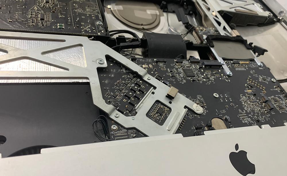 ประกอบเครื่อง iMac กลับเหมือนเดิม ตรงตามมาตรฐานโรงงาน