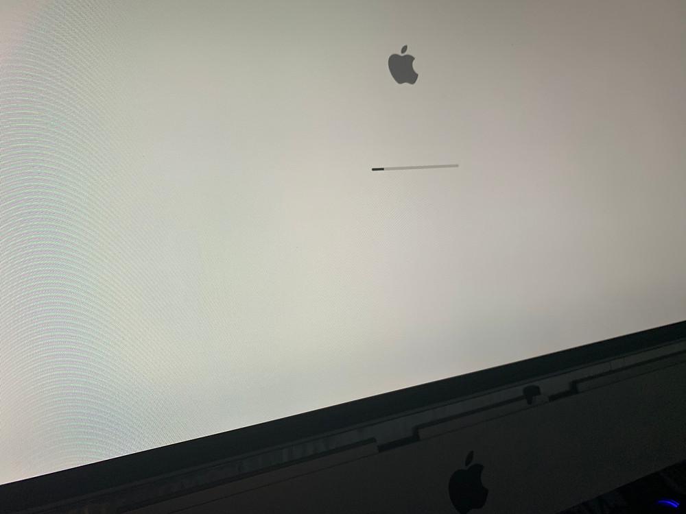 อาการเสีย iMac ค้างหน้า Apple ต่อด้วย iMac จอขาว ค้าง