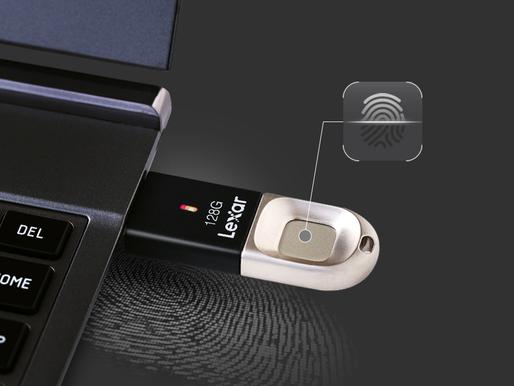 Lexar JumpDrive Fingerprint F35: USB 3.0 bảo mật dữ liệu bằng vân tay