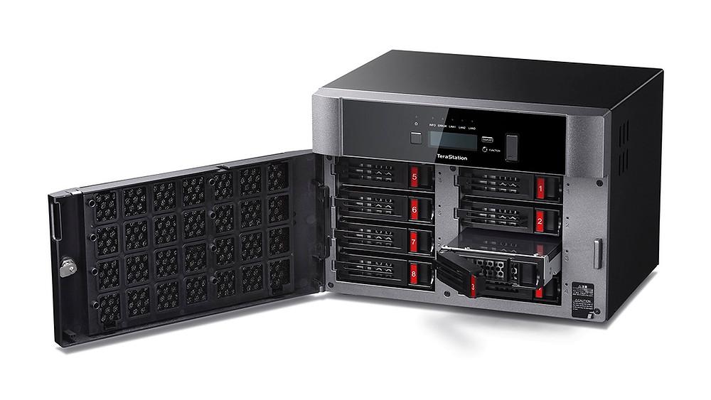 Buffalo TeraStation 5810DN: Máy chủ NAS 8 khay ổ cứng có hỗ trợ RAID 5.