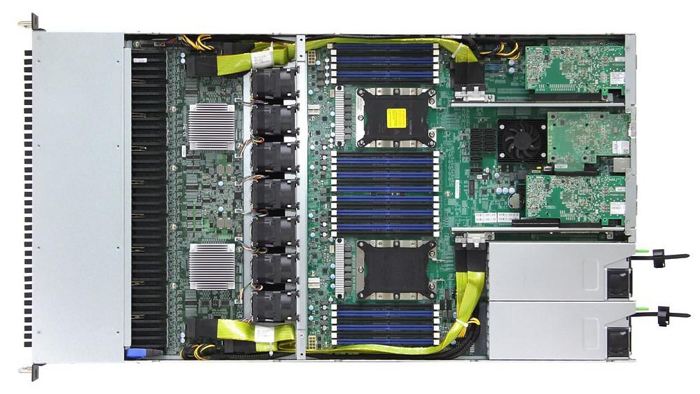Máy chủ AIC OB127-LX có đến 24 khe cắm DDR4 và tổng thông lượng Ethernet 300 Gb/s (300 GbE).