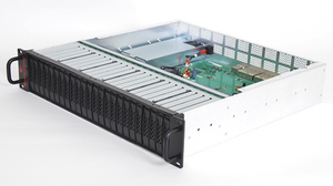 Trenton Systems 24EVO: Máy chủ JBOD 2U 24 SSD NVMe U.2